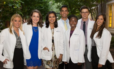 Penn Dental Medicine Welcomes Class of 2019 with White Coat Ceremony