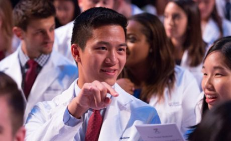 Penn Dental Medicine's White Coat Ceremony Welcomes Class of 2020