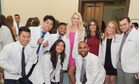 Penn Dental Medicine's White Coat Ceremony Welcomes Class of 2021