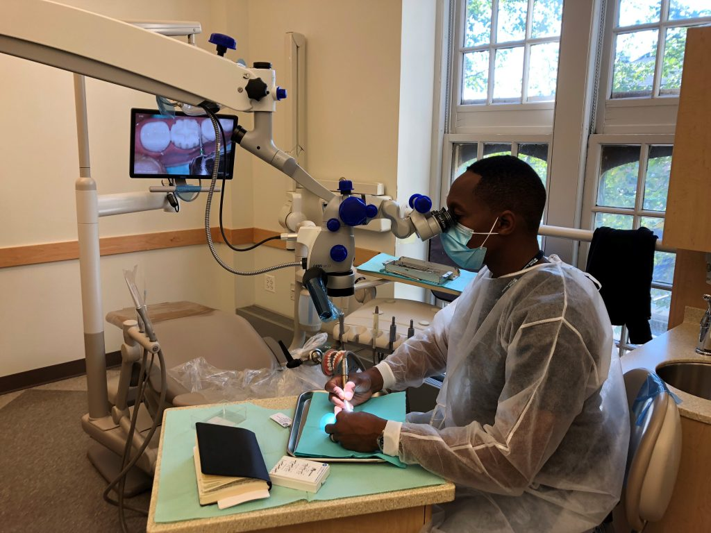 Hands-on sessions covered restorative microscope utilization techniques, the management of calcified canals, and micro-suturing.