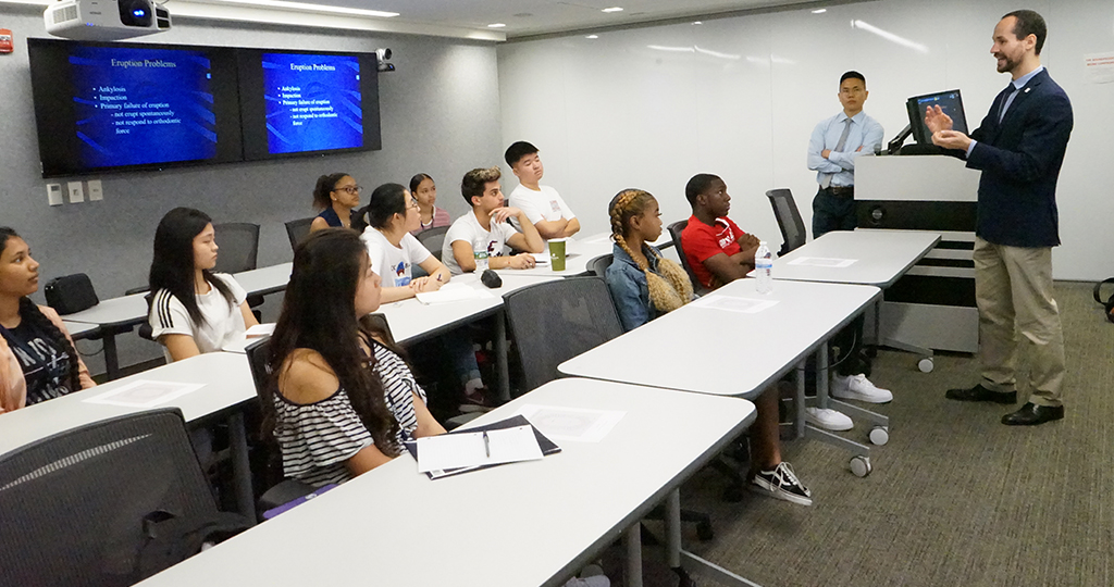 Summer Mentorship Program 2019 brought 12 high schools students to the School for 4 weeks, introducing them to career possibilities within dentistry and to the higher-education environment.